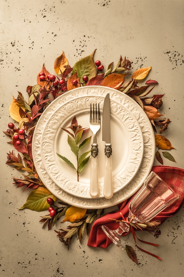 Everyone wants to impress their guests at Thanksgiving. Here are some beautiful rustic Thanksgiving table decor that will do just that.