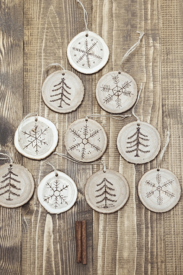 If you love making Rustic Christmas Decorations, then you need to make this. These cute ornaments will be the perfect addition to any home!
