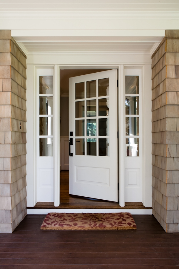 Do you love the look of modern farmhouses? Here are the best modern farmhouse exterior door colors to help you transform your home. A white door with glass is one of the most classic looks.