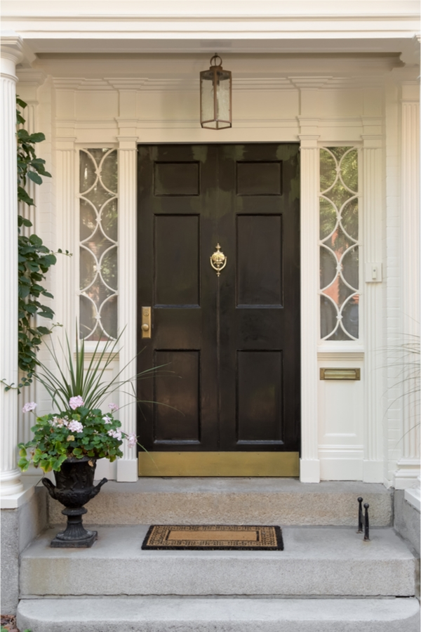 Do you love the look of modern farmhouses? Here are the best modern farmhouse exterior door colors to help you transform your home. A classic black door is always a good idea.
