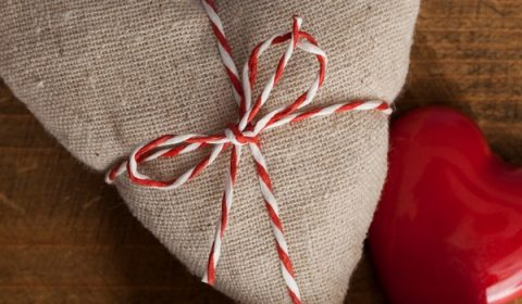 Primitive Valentines Day Decor