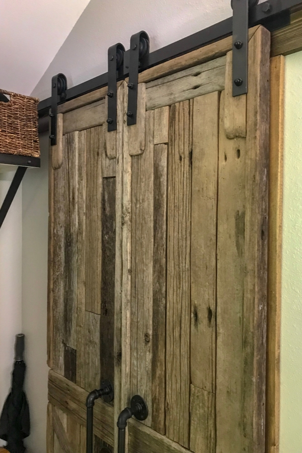 I'm going to show you the best decor ideas for a handmade reclaimed wood look, plus how to get that look with fresh wood. This weathered board is perfect for making bard doors.