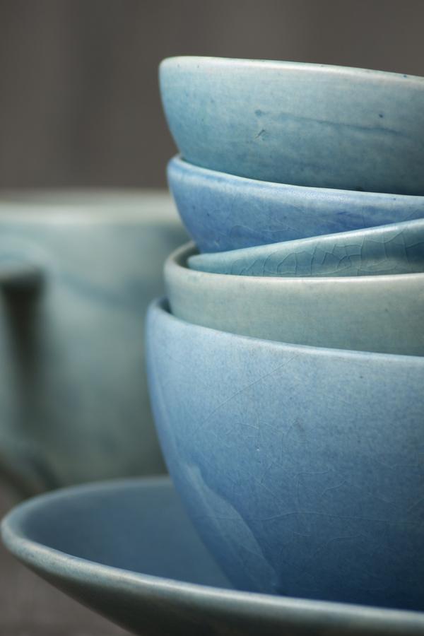 If you love coastal decor and farmhouse decor, check out these coastal farmhouse decor ideas. These bowls are the perfect color for coastal farmhouses.
