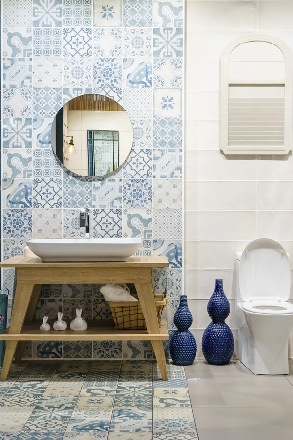 Utilizing and decorating a small bathroom can be tricky, but it is possible to have a charming modern farmhouse bathroom in a small space! And if you're looking for modern farmhouse bathroom tile, blue and white is about as cute and classic as it comes.