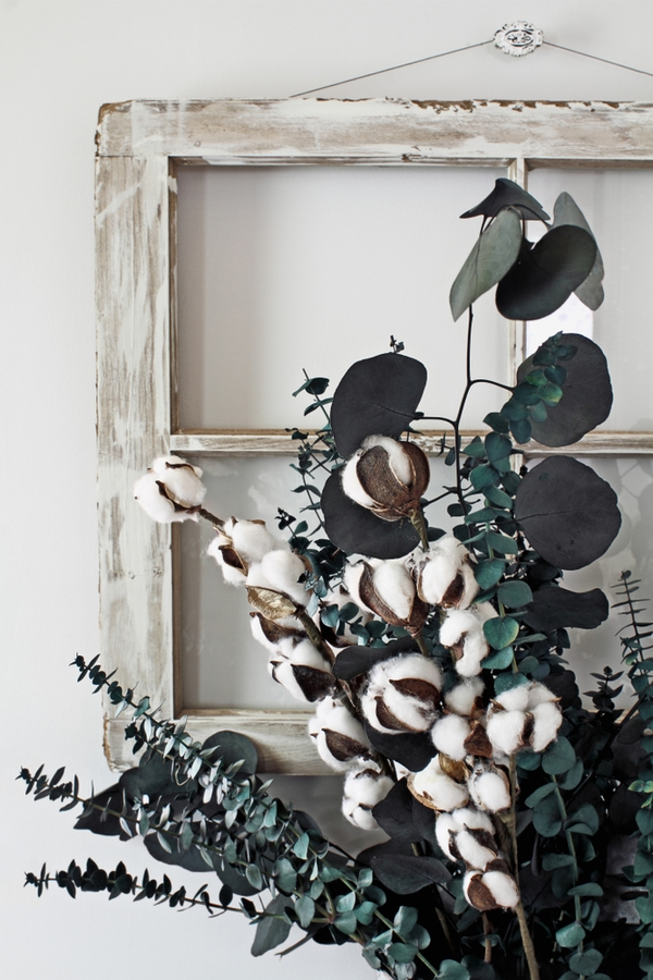 Joanna Gaines inspiration definitely hasn't lost its appeal. Everyone still wants Joanna's ideas and decorating style! Today I'm sharing my favorite Joanna Gaines inspiration. I even have dollar store DIY inspiration.