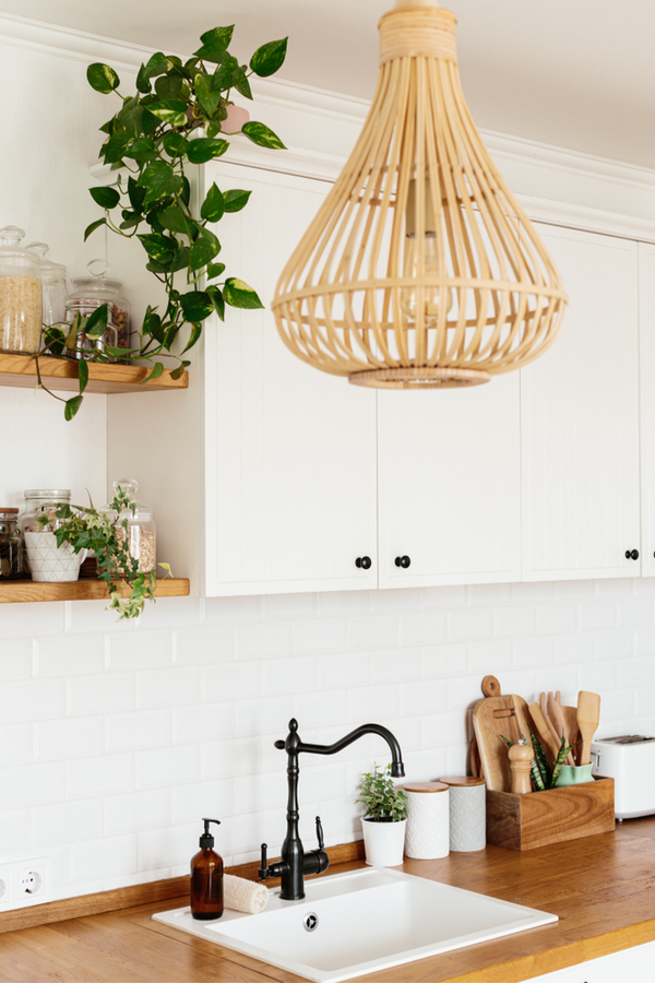 There's nothing quite like modern farmhouse kitchens. This post is the place to find the best inspiration--and all in one spot! Here are my favorite ideas for the dreamiest farmhouse kitchens. See what you can add to your kitchen!