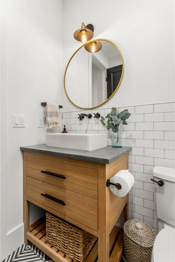 Modern farmhouse bathroom ideas are always a welcome diversion. Here are some farmhouse bathroom ideas Joanna Gaines would approve of.