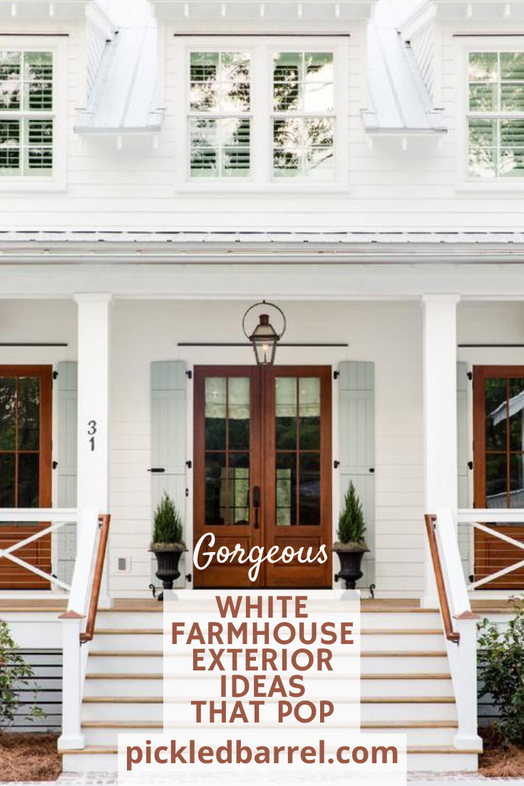 I've got 11 modern farmhouse exterior ideas for you. (How many could you possibly need?!!) #pickledbarrelblog #farmhouseexteriors #modernfarmhouse