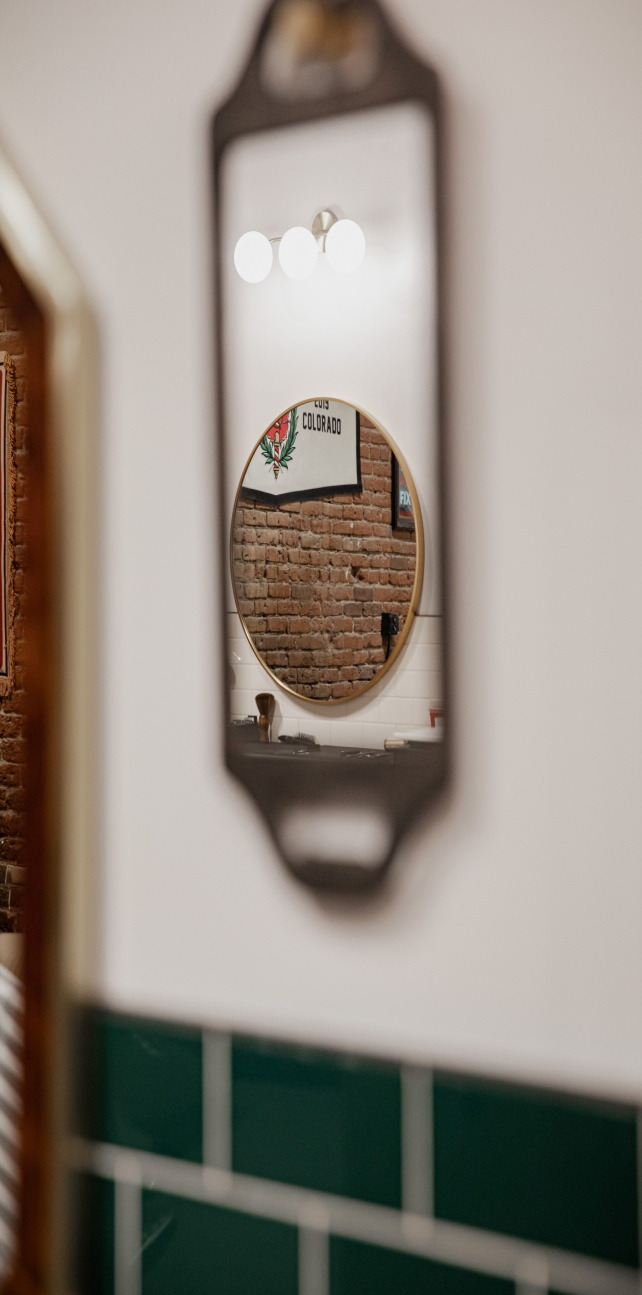 Decorate your space with a farmhouse mirror
