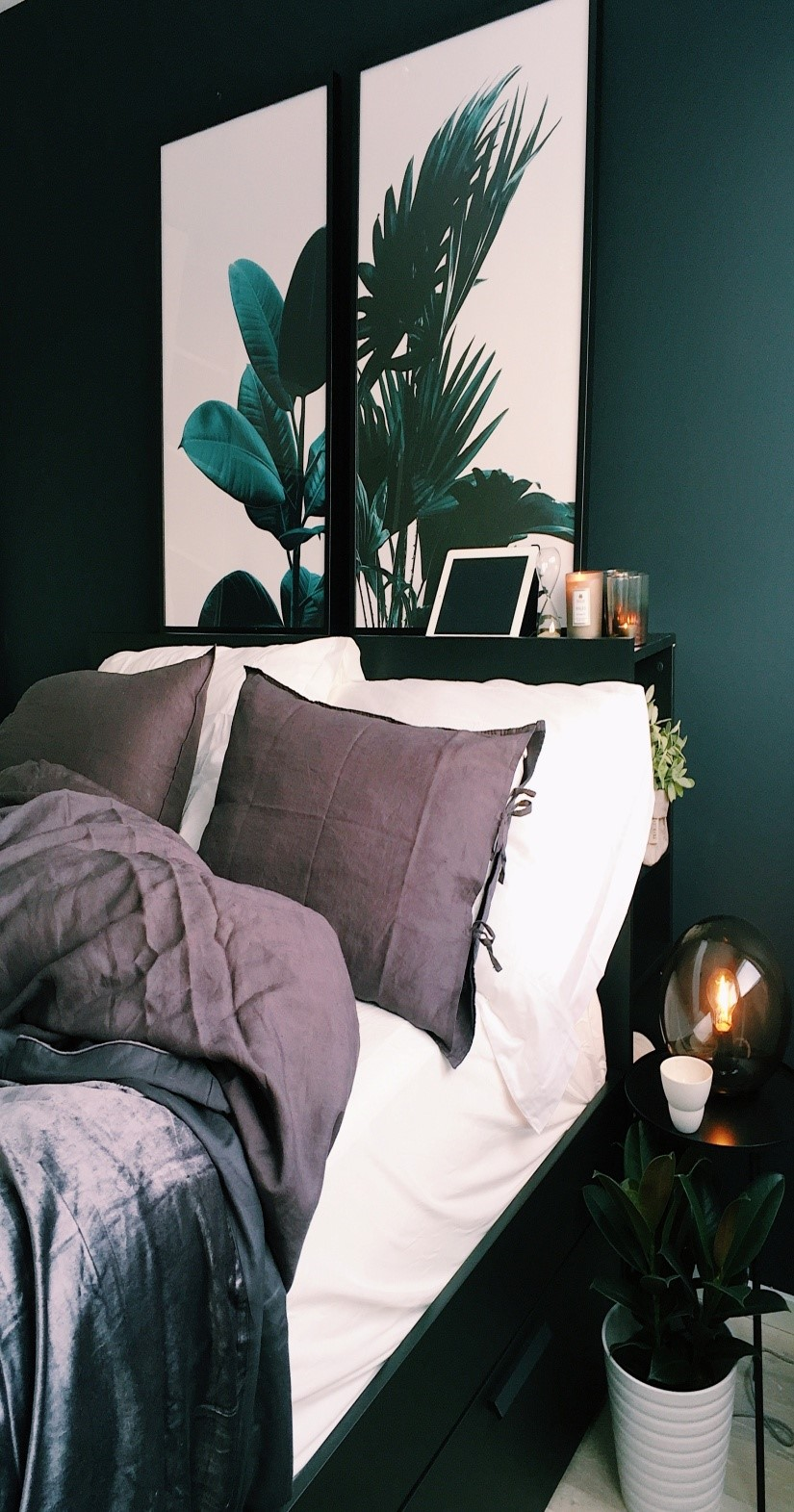 Spruce up your farmhouse bedroom with farmhouse pillows